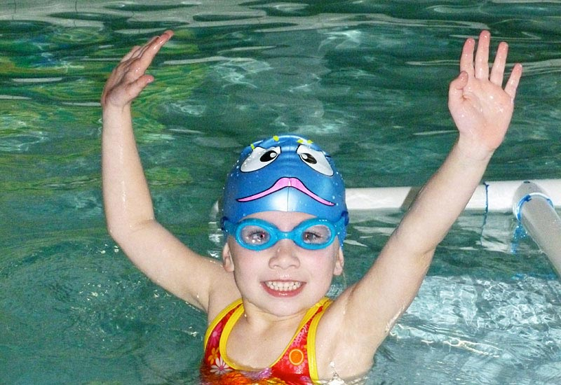 Sign up for an intro to swim class in long beach at deep blue